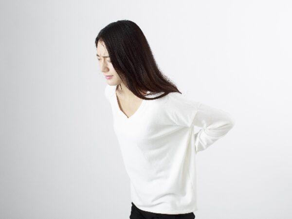 長引く腰痛は腰のカーブが原因!?