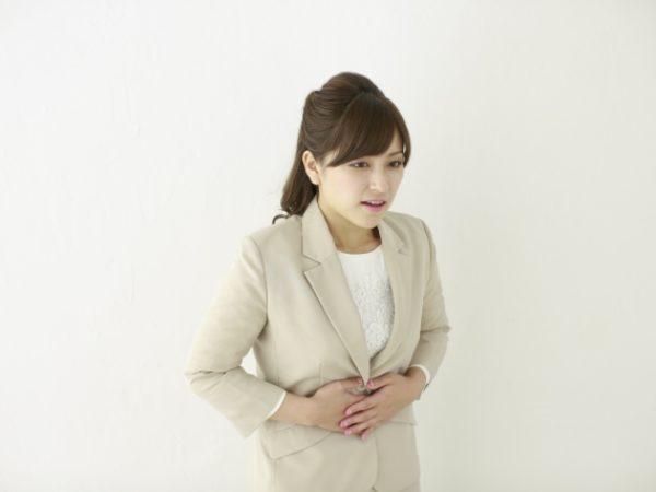 ストレートネックが原因の意外な症状~胃腸の不調~