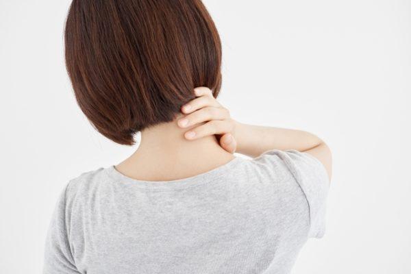 上に向きにくい、上を向きと首が痛い原因は?