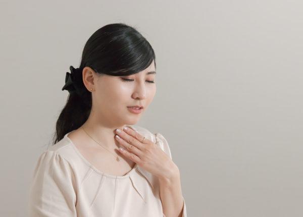 ストレートネックが原因の意外な症状(喉の違和感)